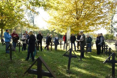10 soldatenfriedhof 375x250 - Soldatenfriedhof Lang