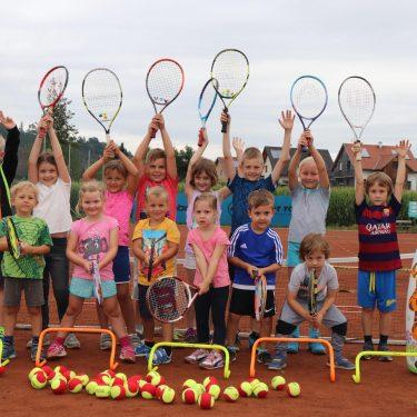 tennis 1 375x375 - Sommerhits für Kids 2021